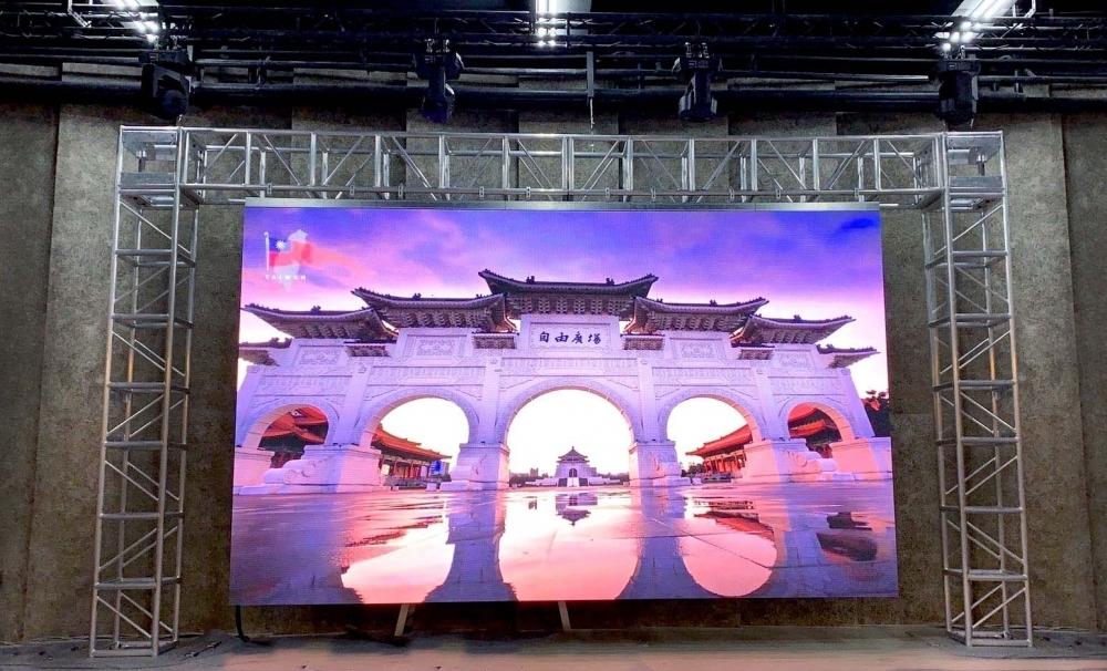 南臺科技大學-P3.91室內高解析電視牆