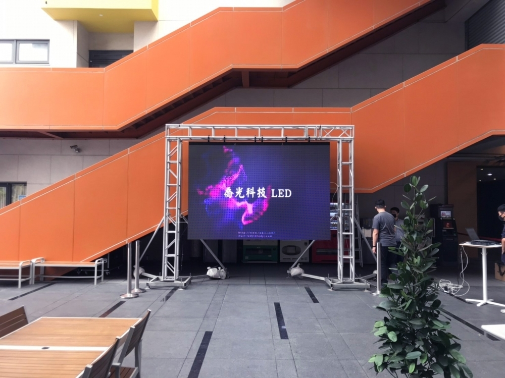 旌旗教會-P4.81戶外LED電視牆 租賃-2