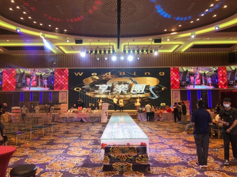 岡山享溫馨婚宴會館 A廳-P4室內環繞LED電視牆-3