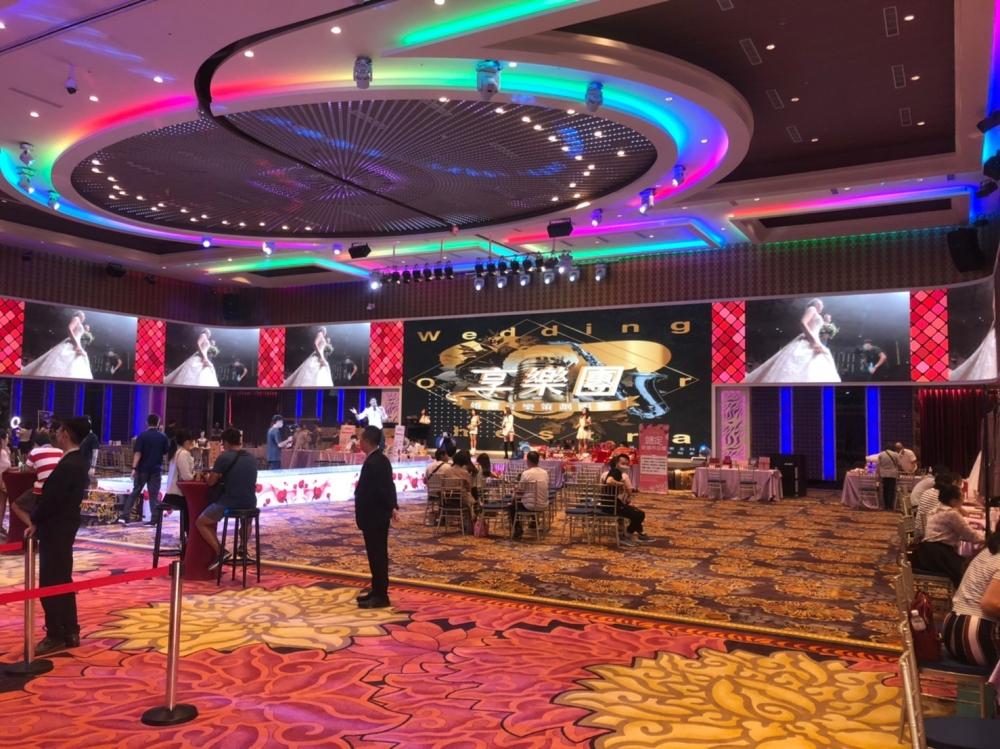 岡山享溫馨婚宴會館 A廳-P4室內環繞LED電視牆-2