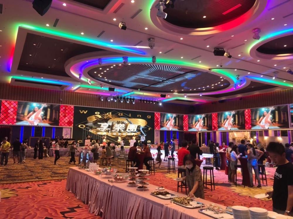 岡山享溫馨婚宴會館 A廳-P4室內環繞LED電視牆-1